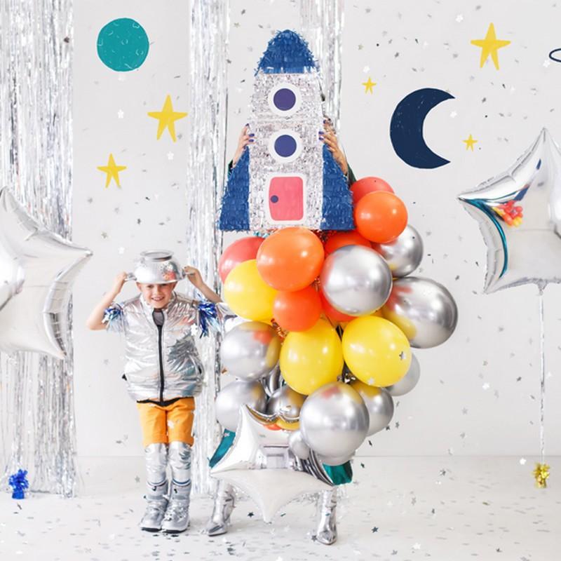 Piniata na urodziny chłopca rakieta
