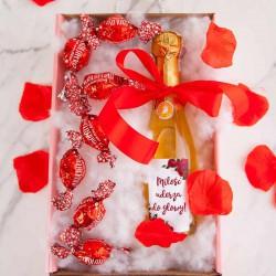 PREZENT na Walentynki w pudełku Z IMIENIEM LUX wino+cukierki Czerwone Róże