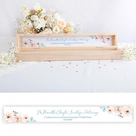 PUDEŁKO drewniane na świecę do Chrztu Z IMIENIEM Chłopiec w kwiatach