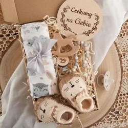 PREZENT na Baby Shower dla dziecka Z IMIENIEM Z kapciuszkami i gryzakiem