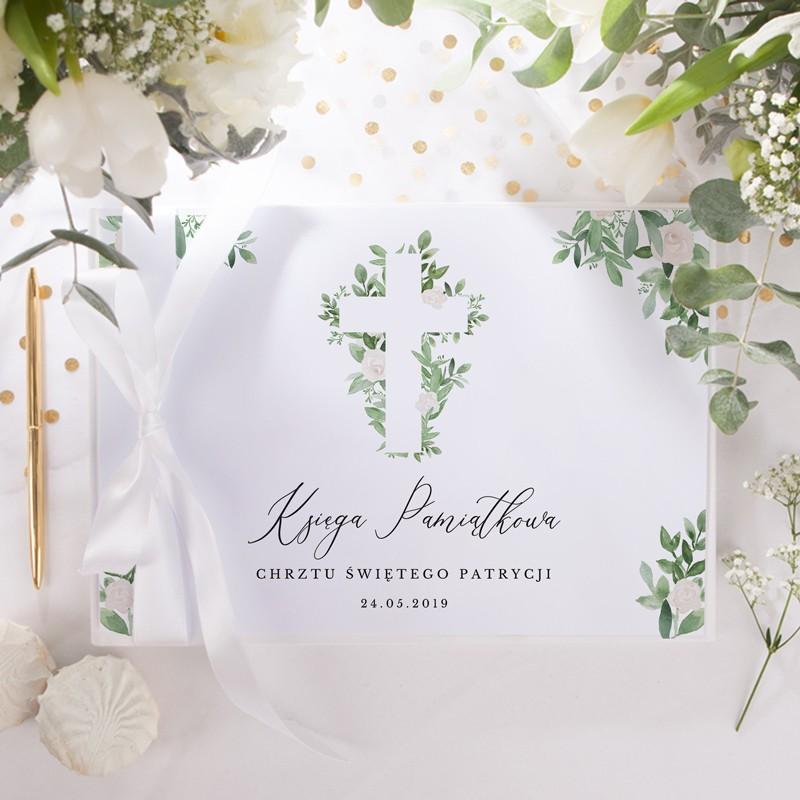 Księga pamiątkowa na Chrzest z kwiatowym motywem