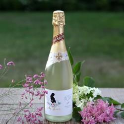 Szampan/wino musujące bezalkoholowe Zapach Piwonii Baby Shower 750ml z naklejką Z IMIENIEM