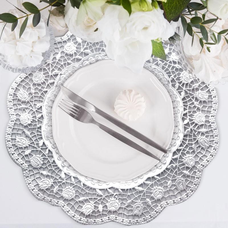 srebrne podkładki na stół komunijny