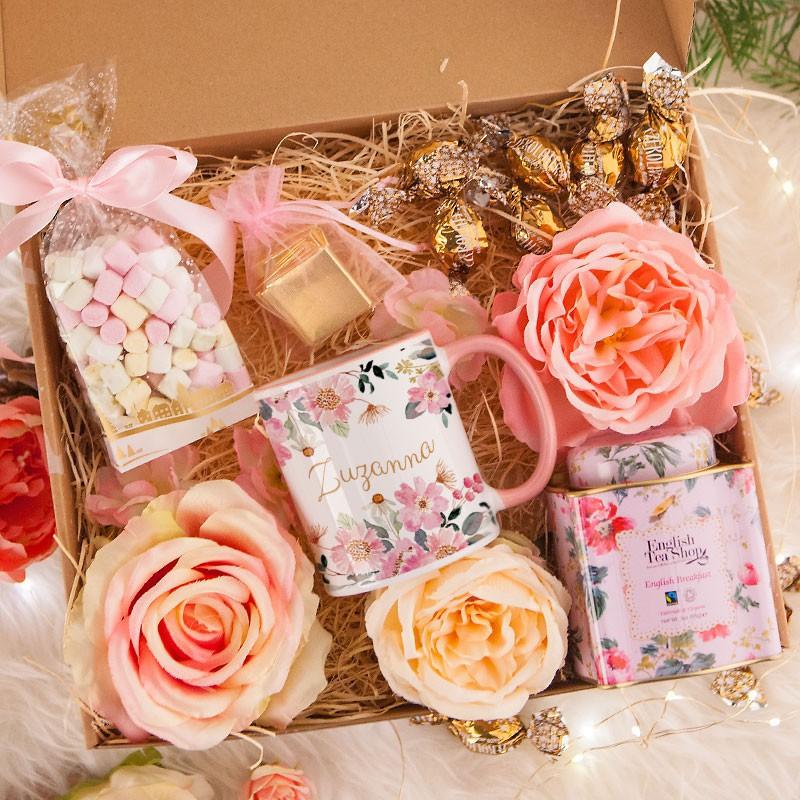 Słodki kosz prezentowy dla kobiety