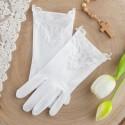 Rękawiczki, ozdoby na rękę i rajstopy komunijne