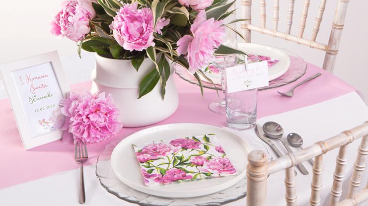 dekoracje komunijne dla dziewczynki jak dekorować stół