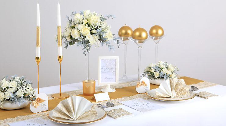 dekoracje komunijne ze złotą koronką