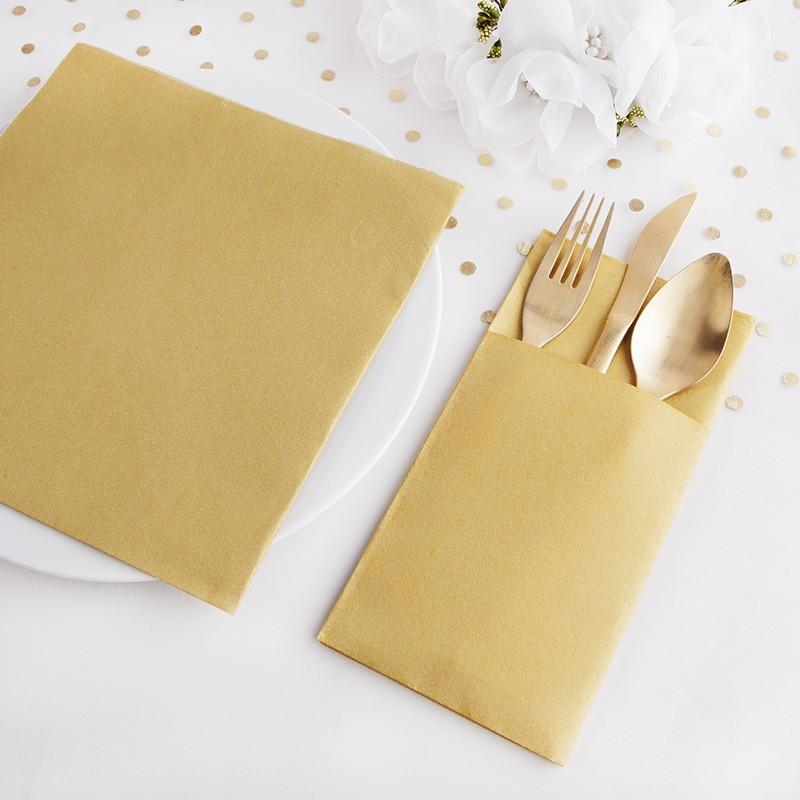 Złoty zestaw dekoracji na stół